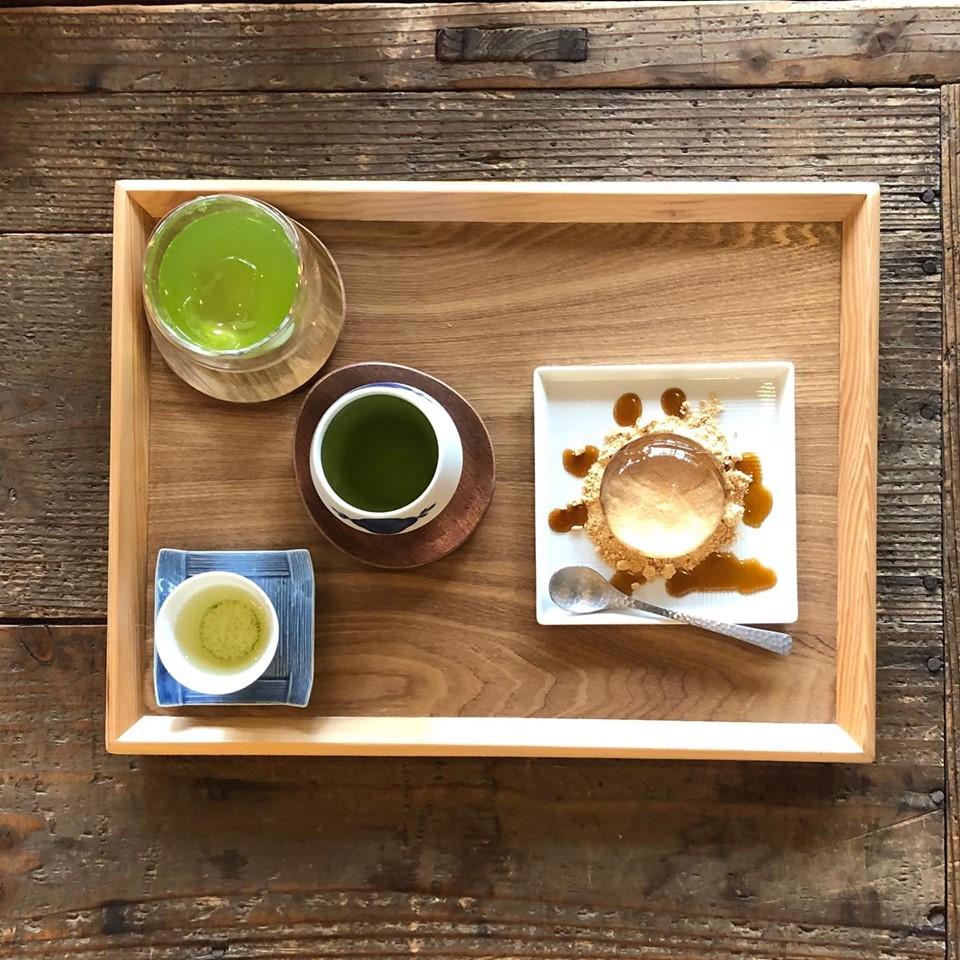 お茶の飲み比べ+しずく餅セット 700円(税込)